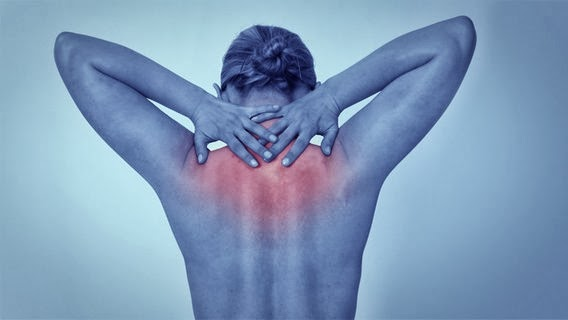 Nackenschmerzen mit Nackenheizkissen bekämpfen